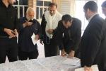 آقای وزیر! مردم مسجدسلیمان برای حفظ جان خود و فرزندانشان در جاده مسجدسلیمان به اهواز  در مصلی تومار امضاء کردند + تصاویر