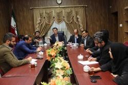 به علت عدم حضور 4 عضو شورای شهر مسجدسلیمان جلسه امشب برگزار نشد و به فردا موکول شد /از امام جمعه محترم می خواهیم وساطت کند /اصل شورا بر رای گیری،مشورت و تمکین به قانون است / شورا باید به نظر اکثریت تمكين كند